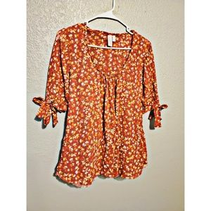 Daisy and Clover top
